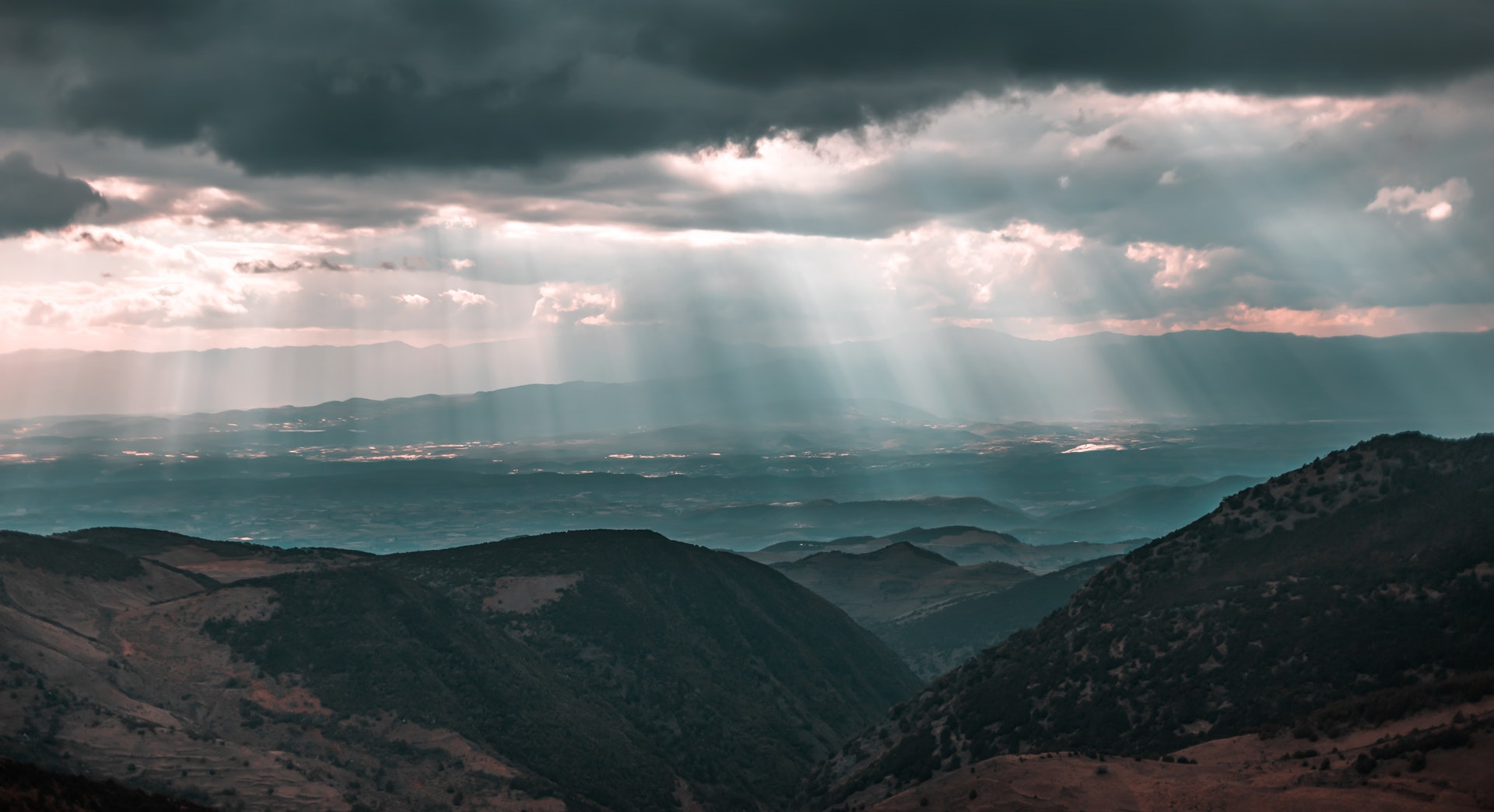 SUN RAYS AND LANDSCAPE